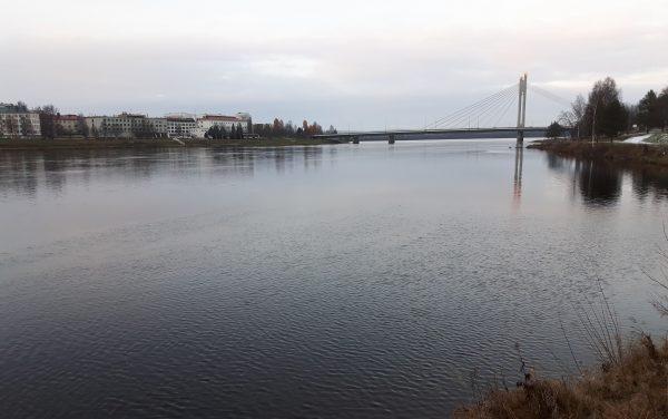 Kemijokea Rovaniemen kaupungin kohdalla. Kuva: Ari Savikko