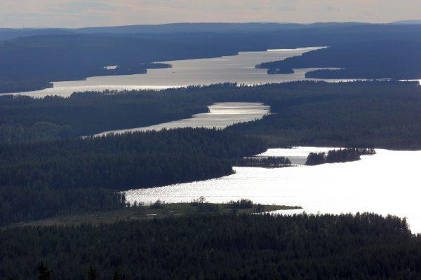 Iijärvi Iivaaran päältä kuvattuna. Kuva Ari Savikko